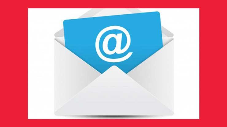 Melalui Email